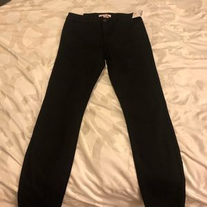 FOREVER 21 BLACK LOW RISE SKINNY JEANS